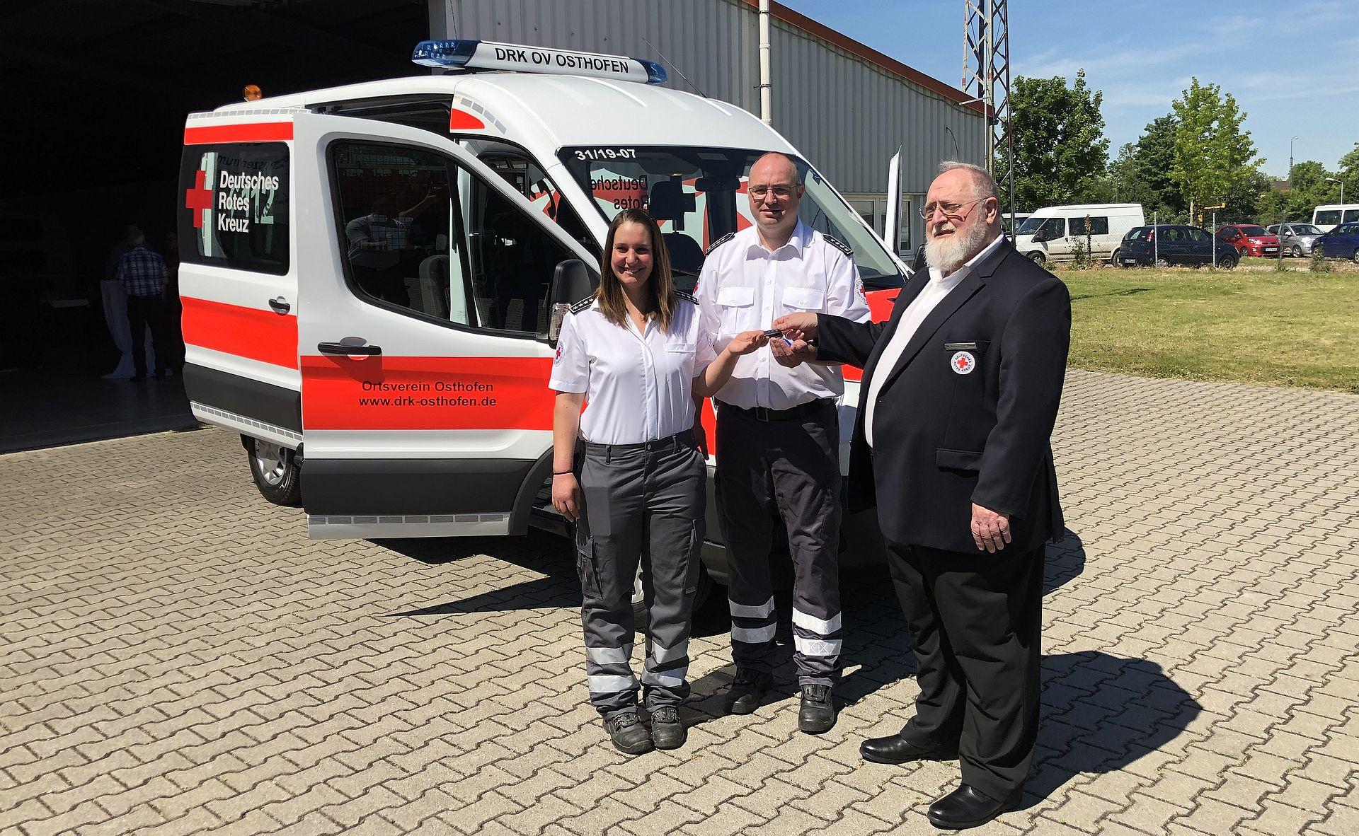 Offizielle Inbetriebnahme des neuen Mannschaftstransportfahrzeuges des DRK Ortsvereins Osthofen